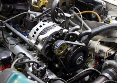 Monkey_Racing_car_alternator_restauration