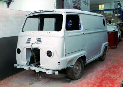 Monkey_Racing_old_classic_van_restoration
