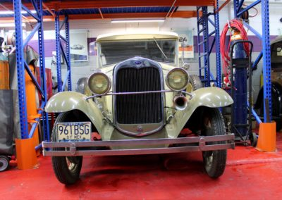 Monkey_Racing_old_ford_t_restoration