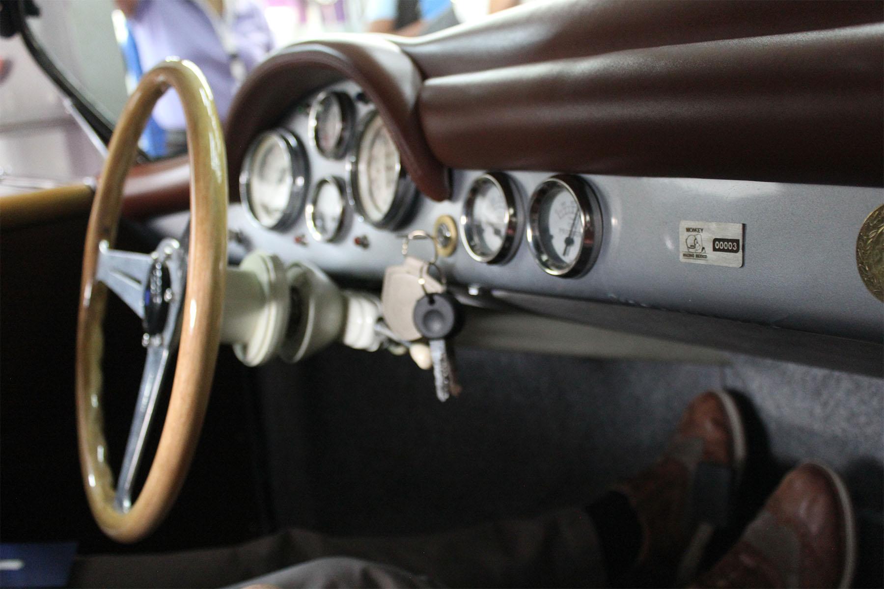 Monkey_racing_1957_porsche_speedster_5