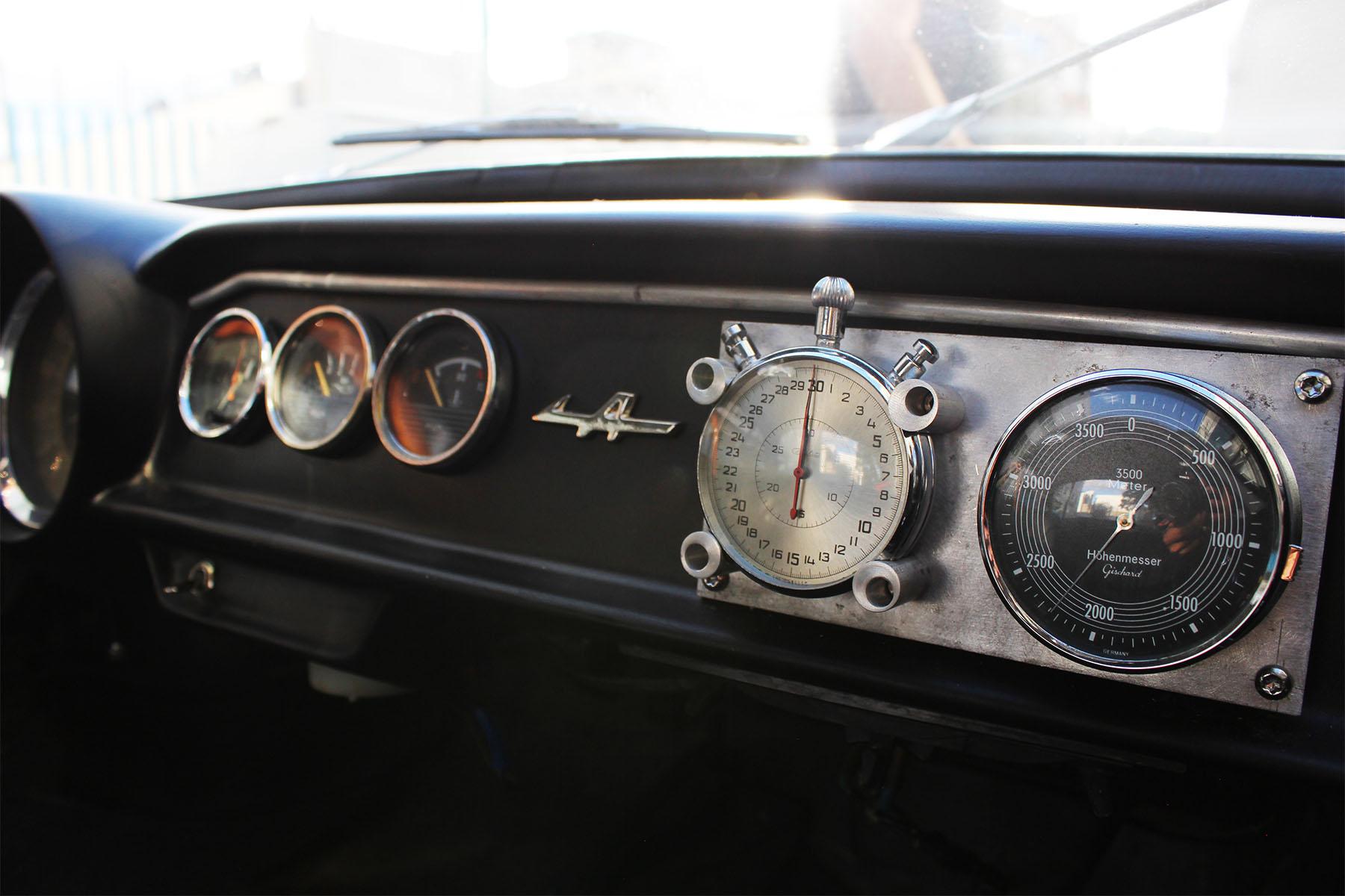 Monkey_racing_1966_dinalpine_1