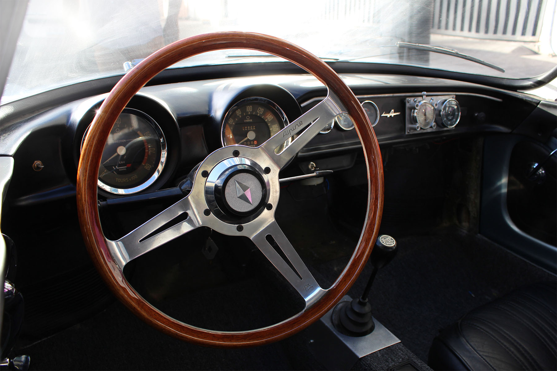 Monkey_racing_1966_dinalpine_5